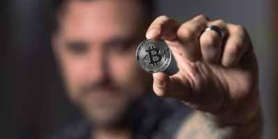 Τι είναι το Bitcoin, πως λειτουργεί και που θα φτάσει η τιμή και η αξία του